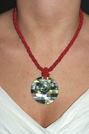 Náhrdelník perličkový s přívěškem IS0001 025
