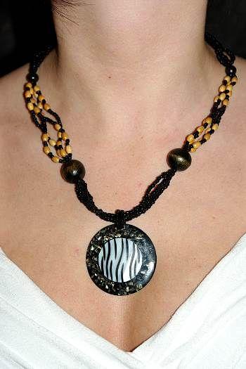 Náhrdelník perličkový s přívěškem IS0001 029
