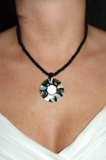 Náhrdelník perličkový s přívěškem IS0001 032