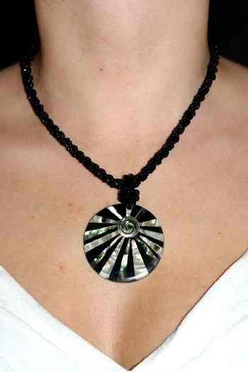 Náhrdelník perličkový s přívěškem IS0001 002