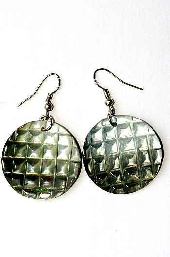 Náušnice perleťová s ocelovým ouškem IS0011 023