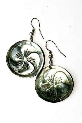 Náušnice perleťová s ocelovým ouškem IS0011 036