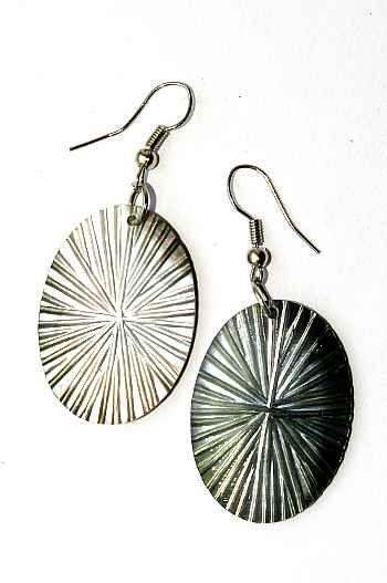 Náušnice perleťová s ocelovým ouškem IS0011 031