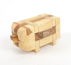 Prasátko - sládačka (hlavolam) ze dřeva