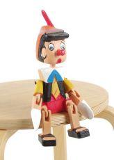 Sedící dřevěný panáček - Pinokio