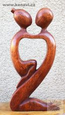 Soška Milenci - abstrakt 40 cm dřevo suar
