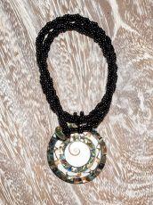 Náhrdelník perličkový - provázkový -  s přívěškem  IS0001-044