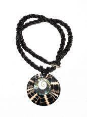 Náhrdelník perličkový - provázkový -  s přívěškem  IS0001-077