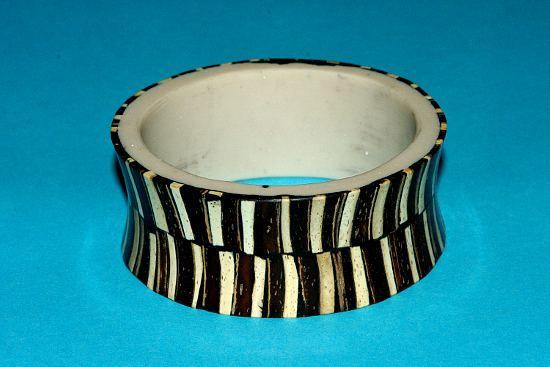 Náramek – kombinace kokos,dřevo a resin IS0009 009