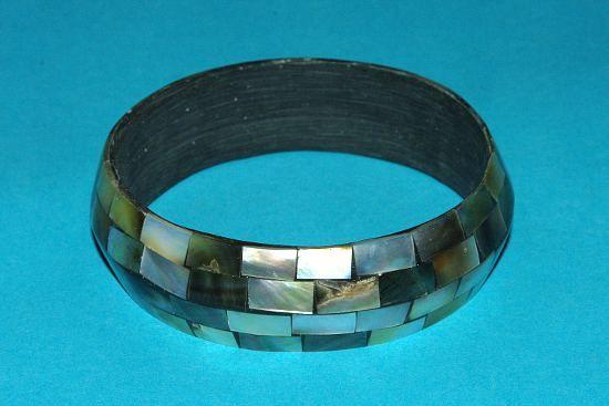 Náramek – kombinace perleť a resin IS0010 002