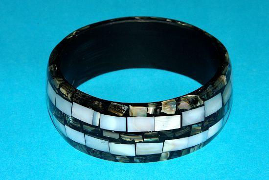 Náramek – kombinace perleť a resin IS0010 012