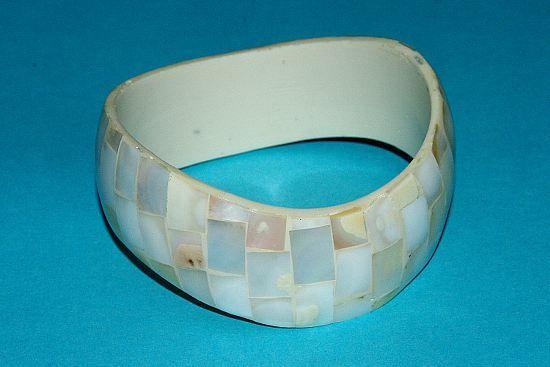 Náramek – kombinace perleť a resin IS0010 013