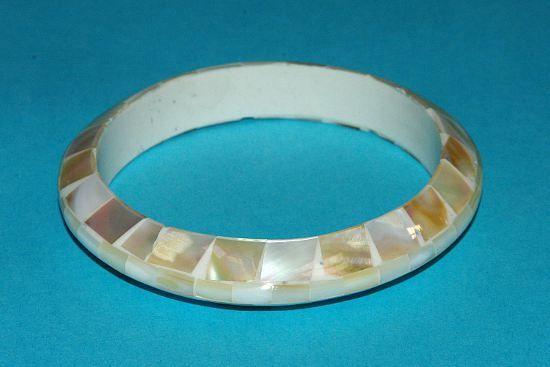 Náramek – kombinace perleť a resin IS0010 004