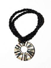 Náhrdelník perličkový - provázkový -  s přívěškem  IS0001-090