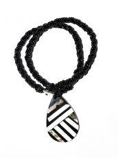 Náhrdelník perličkový - provázkový -  s přívěškem  IS0001-091