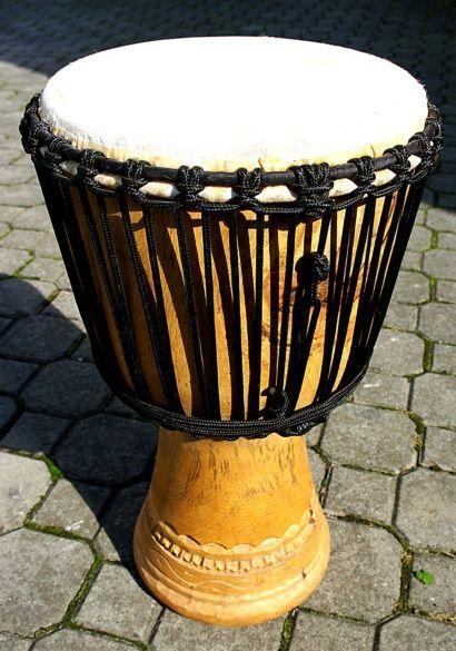 Buben DJEMBE i pro pokročilé bubeníky, velmi dobrá kvalita. Skladem ID0026 002