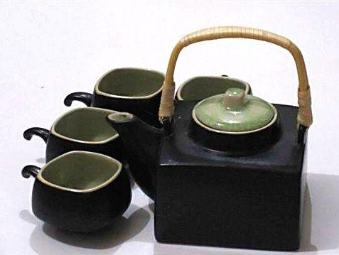 Keramická čajová souprava hranatá
