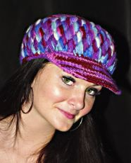 Čepice s kšiltem 100% vlna s fleesovou podšívkou po obvodu