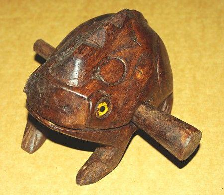 Dřevěná žába L - hudební hračka